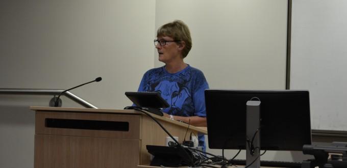Stephanie Lawson presenting during a SSGM seminar. Image SSGM